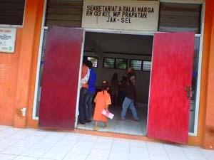 tempat pelayanan posyandu di balai warga RW03 mampang
