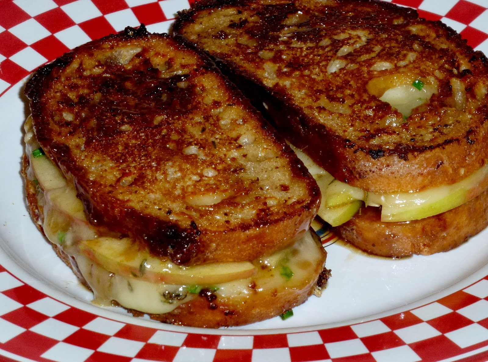 Savory Table: Camembert-Caramel Apple Grilled Sandwich