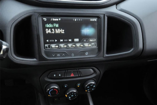 Chevrolet Onix - console central - MyLink