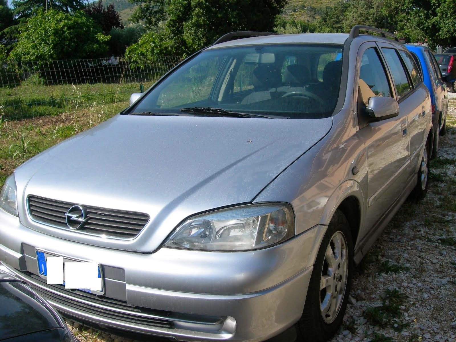 Opel Astra 1.7  TDI Anno 2004 con clima -cerchi in lega- trasporto promiscuo 3.000,00 Euro