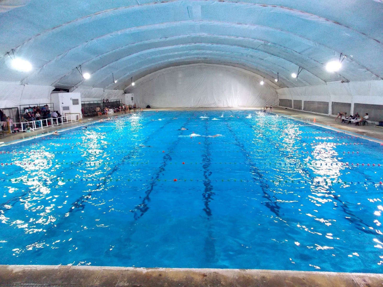 Deportes san isidro for Imagenes de piletas de natacion