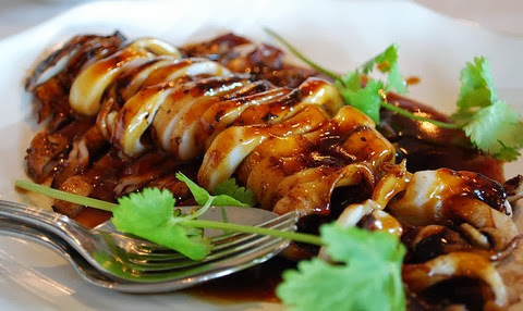 Charcoal Grilled Calamari with Peppers and Soy Sauce