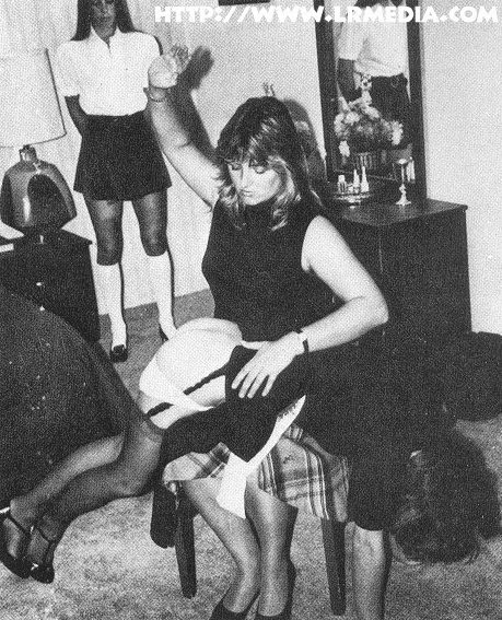 Mature in lingerie gets spanked by teen - XVIDEOSCOM