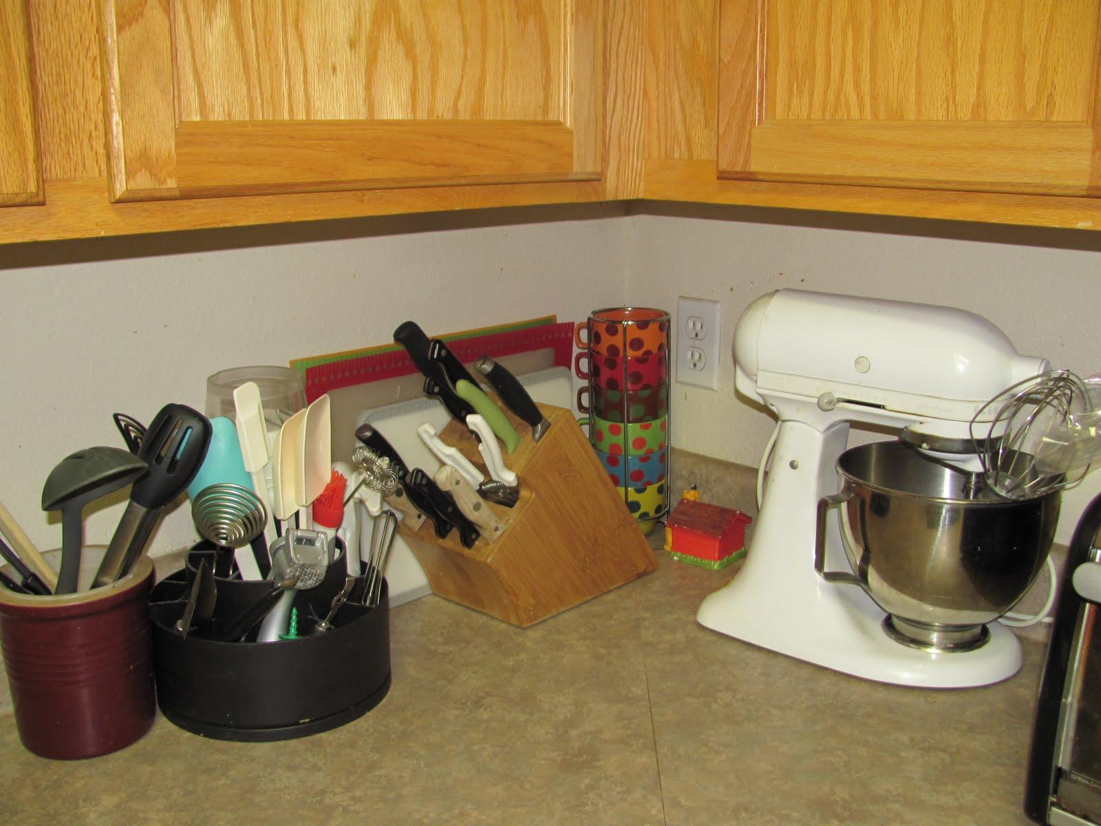 Enter my new cute (cheap, instant) under closet fauxappliance garage