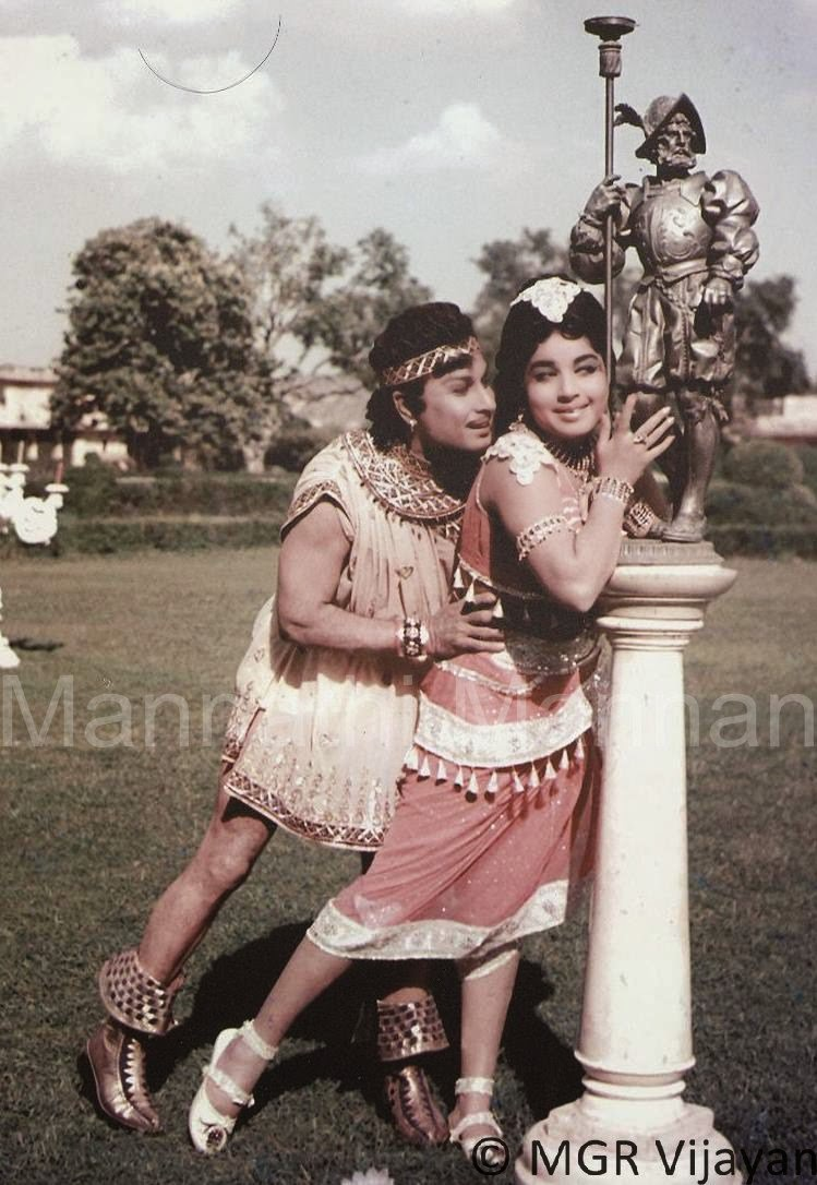 'Idaya Deivam' MGR & Jayalalitha in 'Adimai Pen' Movie 2