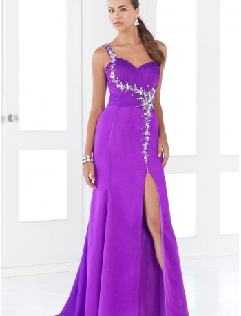 one-shoulder prom dress