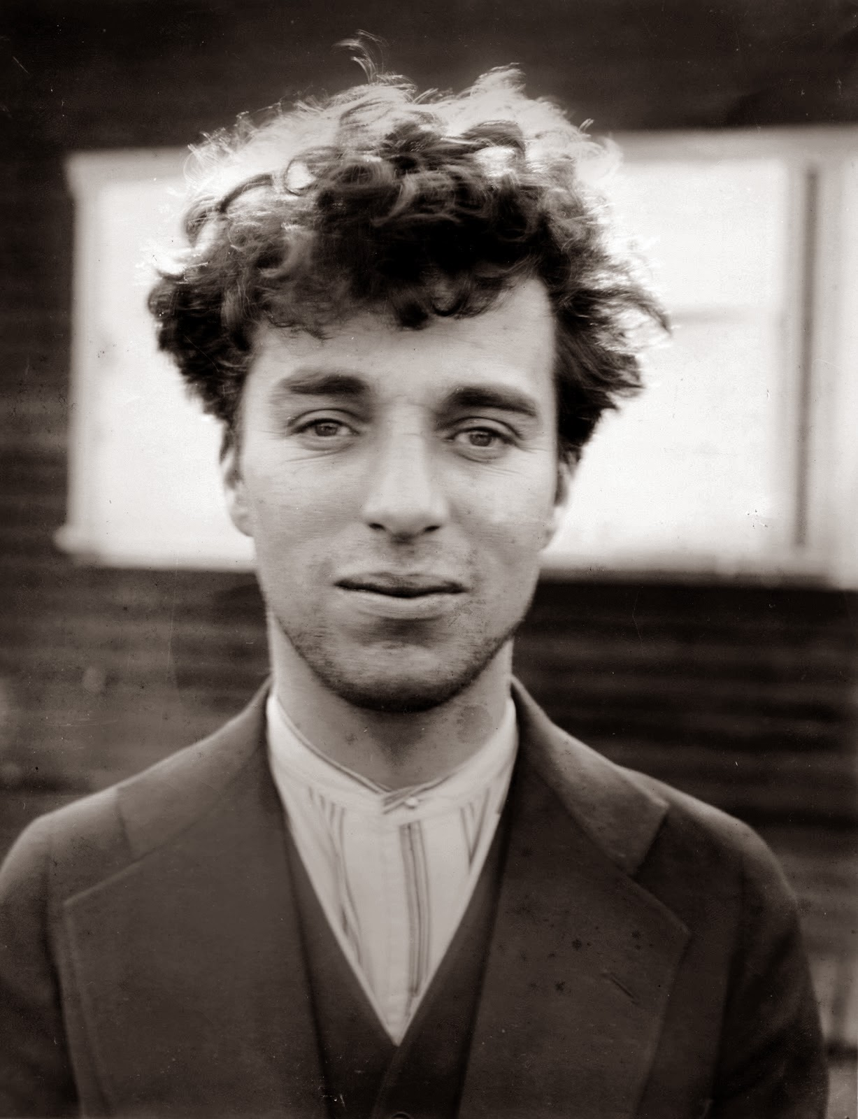 Charlie-Chaplin-Biography-Early-Life