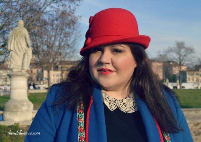 outfit con cloche e cappotto vintage