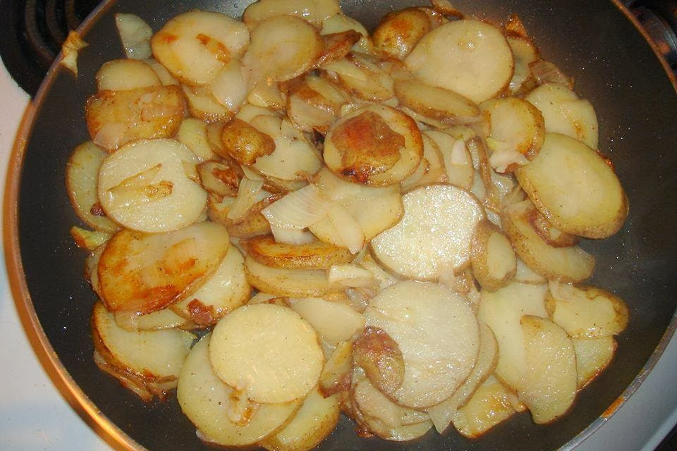 how to cook fried potatoes and onions