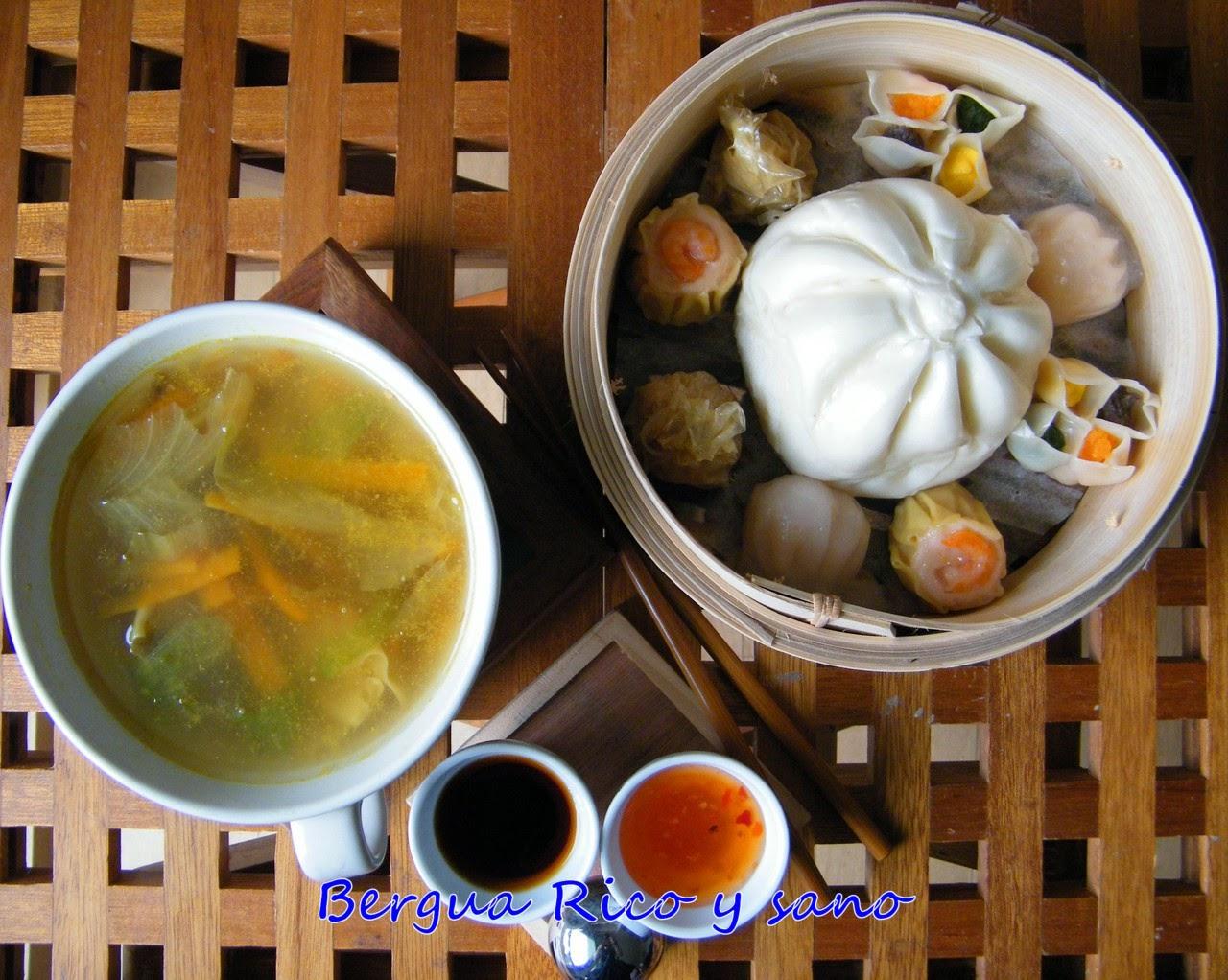 Comer rico y sano: Sopa con dim sum - photo#24