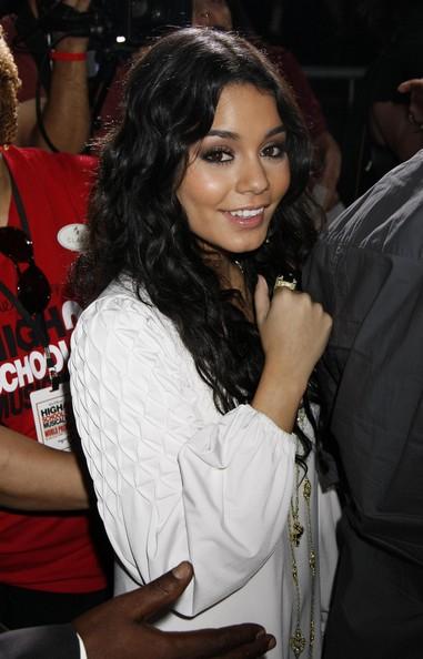 Vanessa Hudgens Hairstyle
