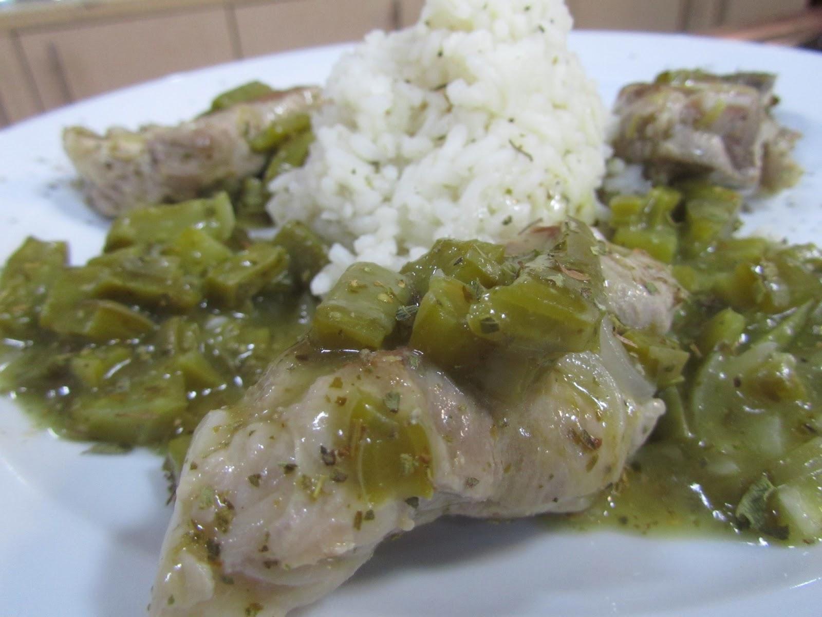 Costillitas de cerdo en salsa verde con nopalitos | La cocina de ...