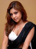 Sexy Actress Komal Jha