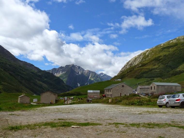 ツール・ド・モンブラン グラシエ村 La Ville des Glaciers (1789m)