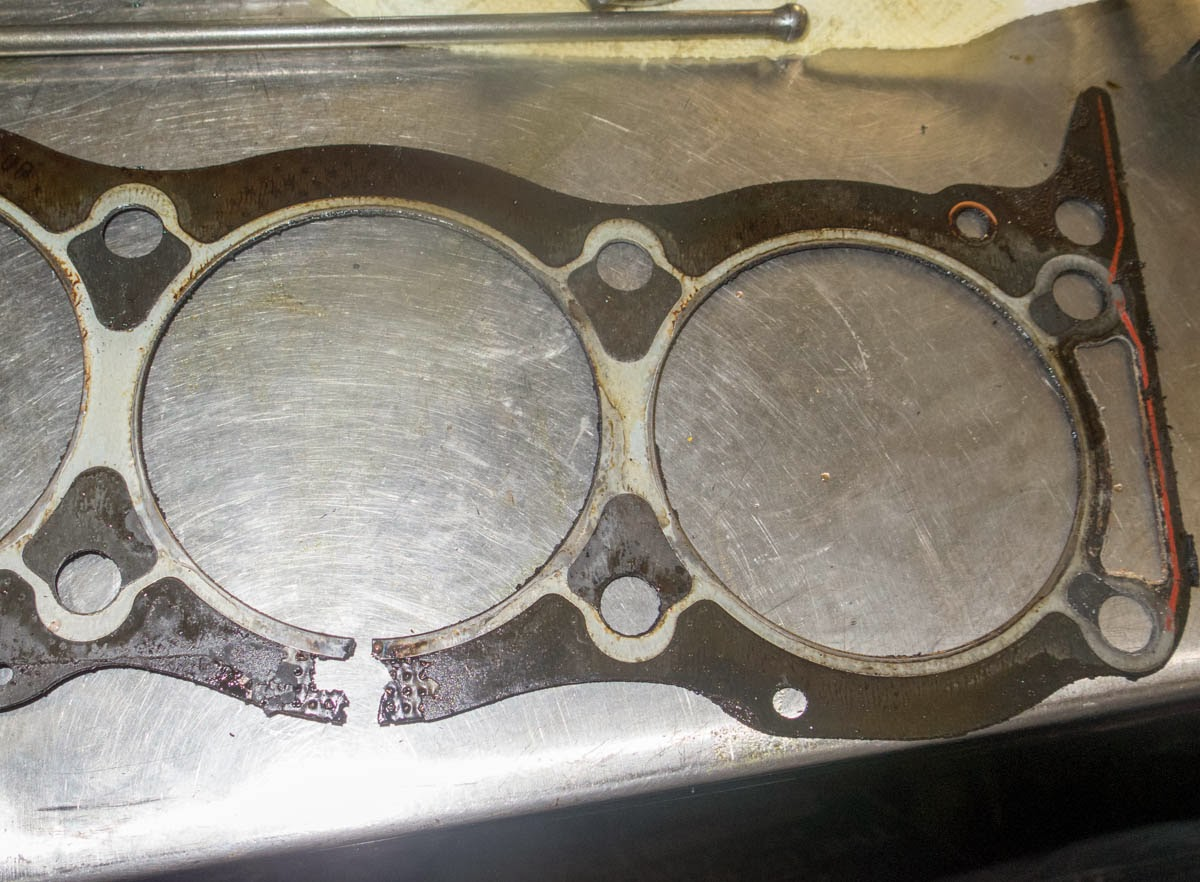 how to tell if blown head gasket or cracked head