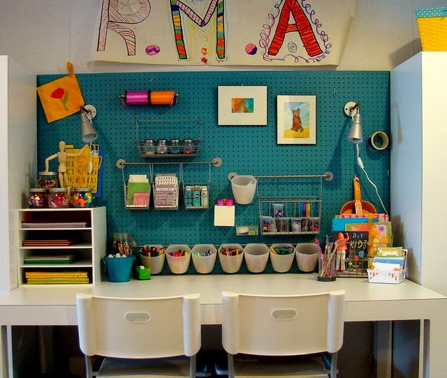 pegboard-craft-desk