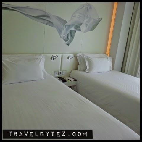Centara Watergate Pavillion Hotel Bangkok Deluxe Room