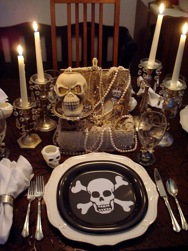 Celebrate and decorate a pirate party