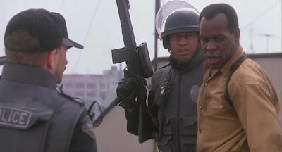 Predator 2 (1990) DVDrip mediafire movie screenshots