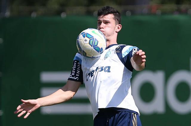 O zagueiro Nathan é o mais provável substituto de Lucas na lateral direita (Foto: Cesar Greco/Ag Palmeiras/Divulgação)
