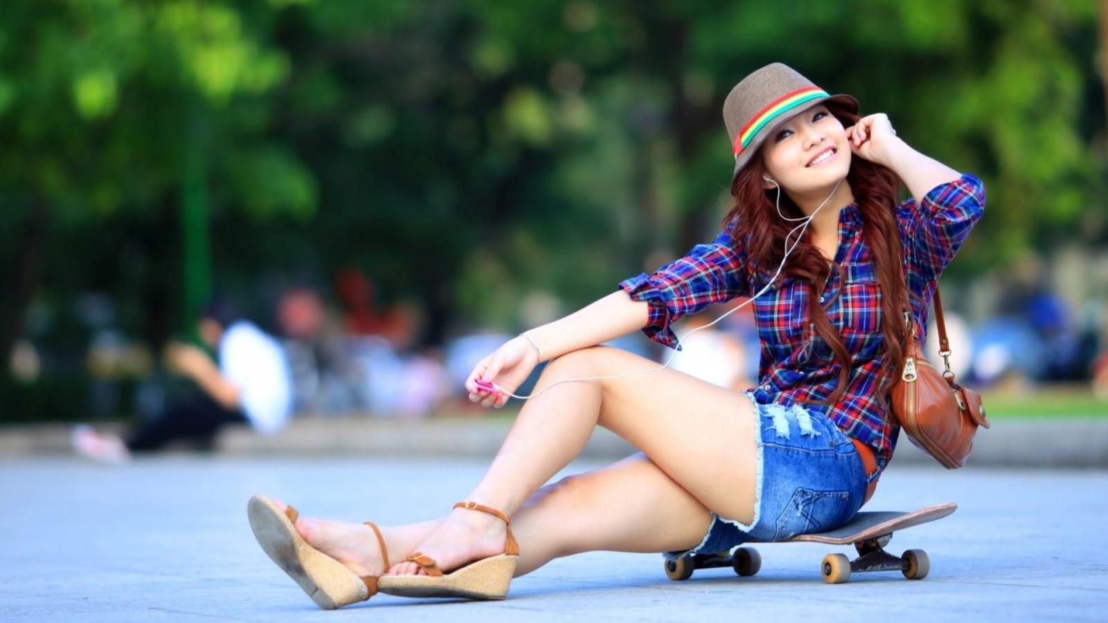 Girl Skater Style