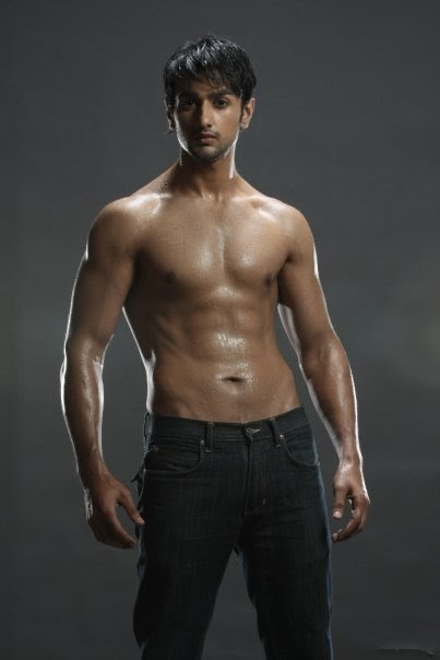Dare to bare : Hot Indian TV Actors : April 2011