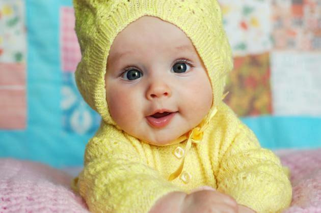 Saquito con gorro para bebé crochet   Crochet y Dos agujas ...