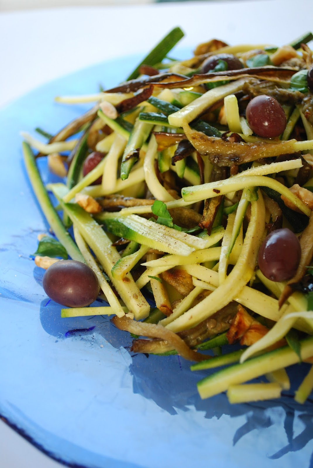 insalata di zucchine crude e melanzane