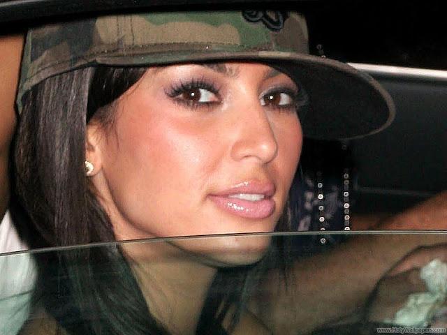 Kim Kardashian Bikini HD Wallpaper