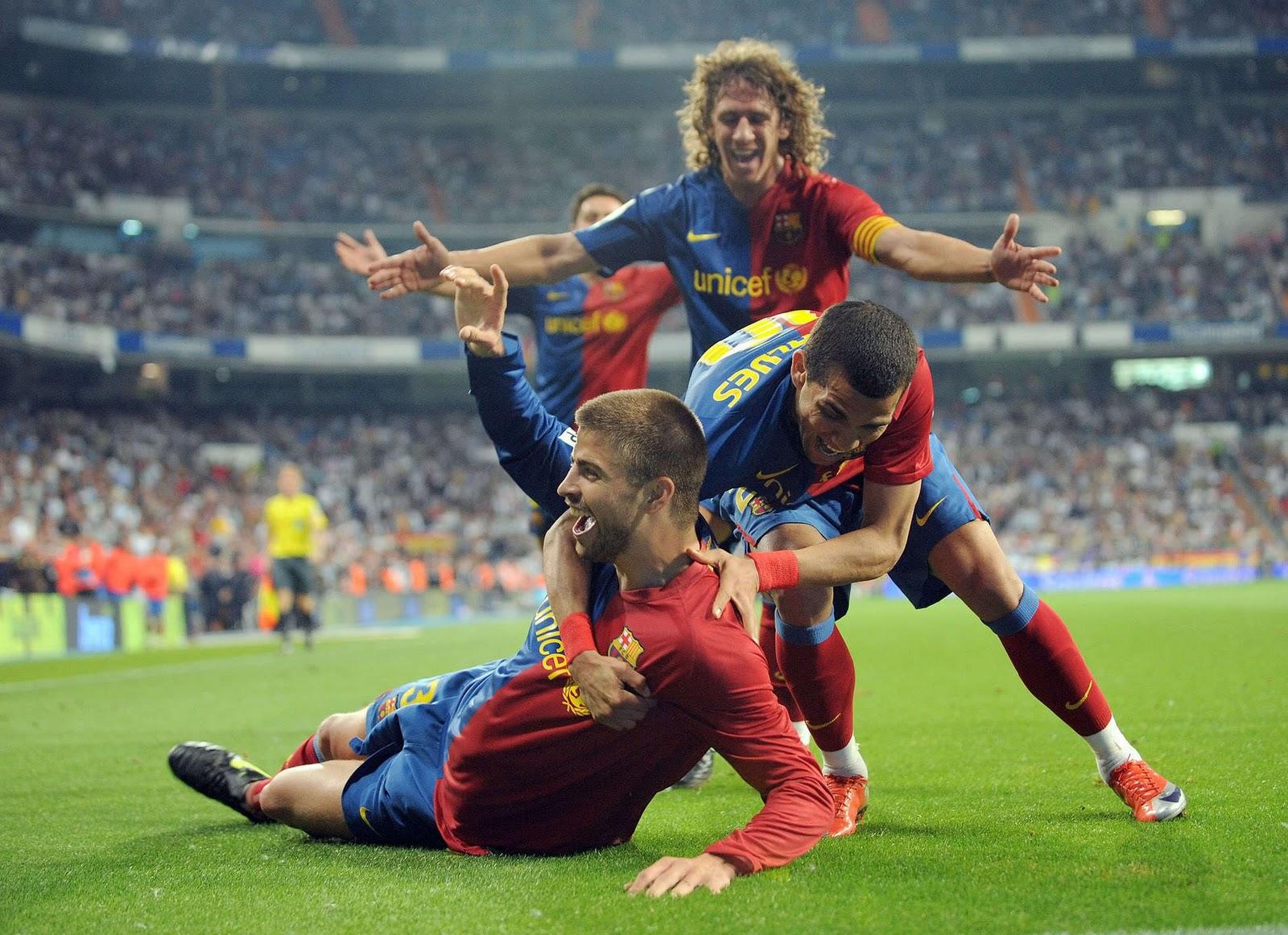 http://2.bp.blogspot.com/-aH65wP61OPQ/TpUo07PX9hI/AAAAAAAAASs/BYUucEtq8Pw/s1600/Gerard-Pique-soccer-wallpaper.jpg