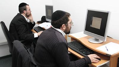 Judeus ultraortodoxos agora procuram trabalho