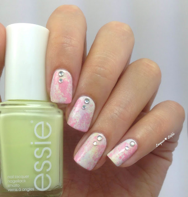Essie Sponge Design Groove is in the Heart mit Lady Queen Beauty