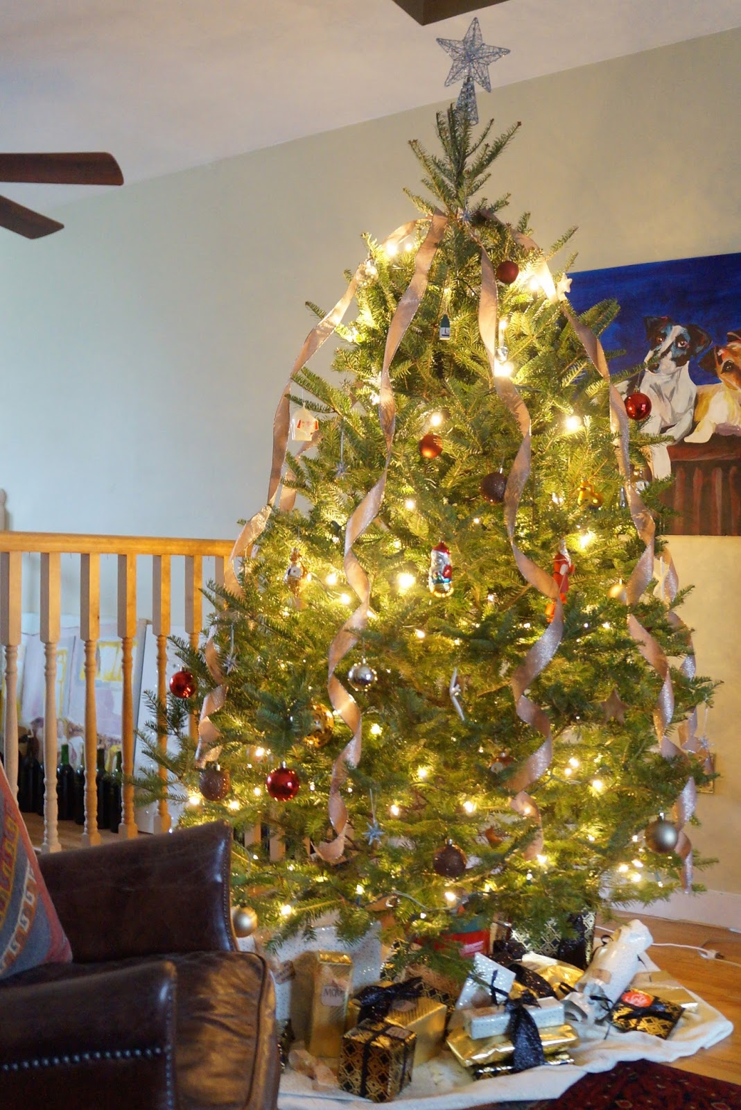 christmas tree with inexpensive DIY tree skirt