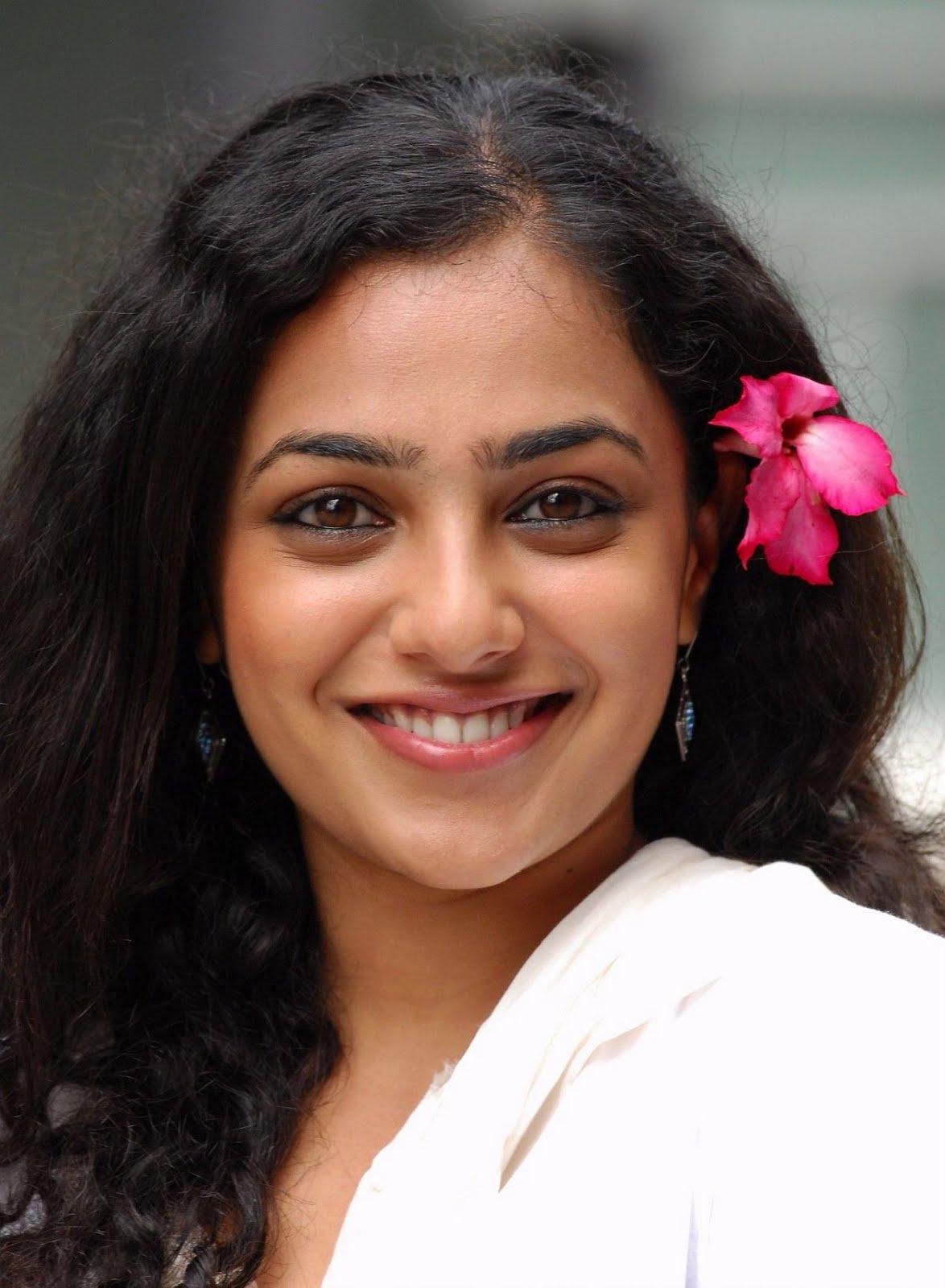 movies4u: south indian actress nithya menon profile   filmograhy
