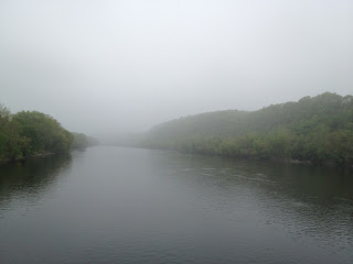 excellent foggy-day pic of the Delaware