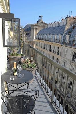 balkon w kamienicy