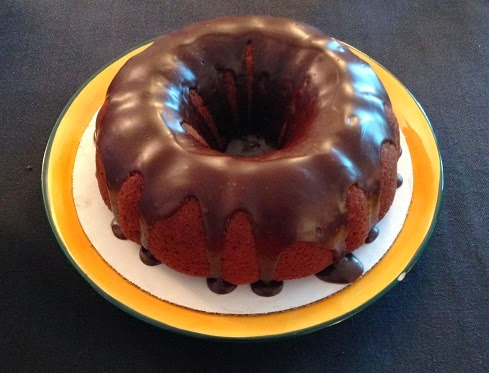 Julie Bakes: Banana cake with chocolate ganache