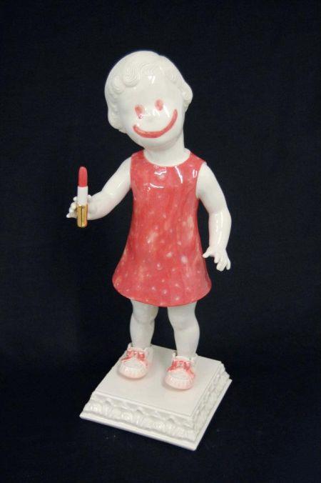 Maria Rubinke esculturas porcelana surreais sangue crianças macabras Feliz