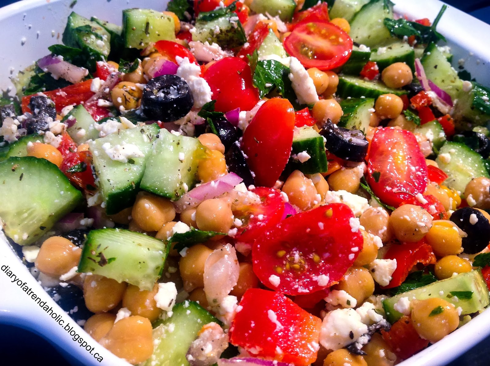 Diary of a Trendaholic : Mediterranean Chickpea Salad