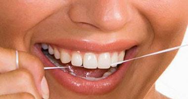 """استخدام الخيط الطبى يومياً """"الأفضل للأسنان"""""""