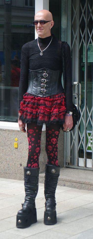 http://2.bp.blogspot.com/-aIwAr0memAk/T8hhNlWTqjI/AAAAAAAAAns/Fi8HHRdlhPM/s1600/fashion_sucks_pics_05.jpg