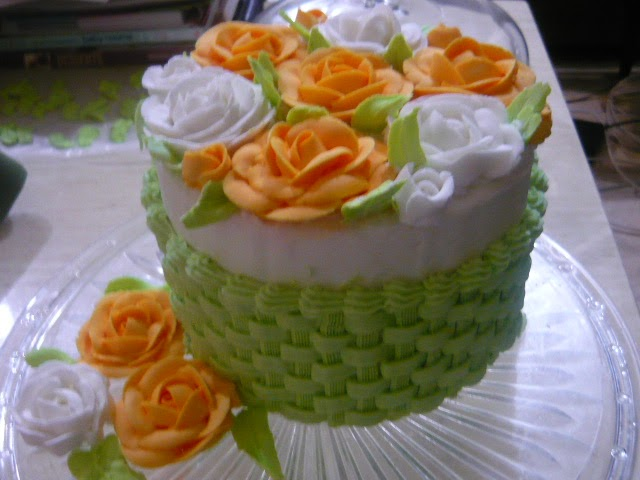 Cake Decorating Course Trinidad : FOOD, DRINKS + PARTY: How to Make Basket Weave with Piping ...