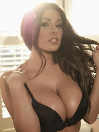 Sexy Big Tits Women 37