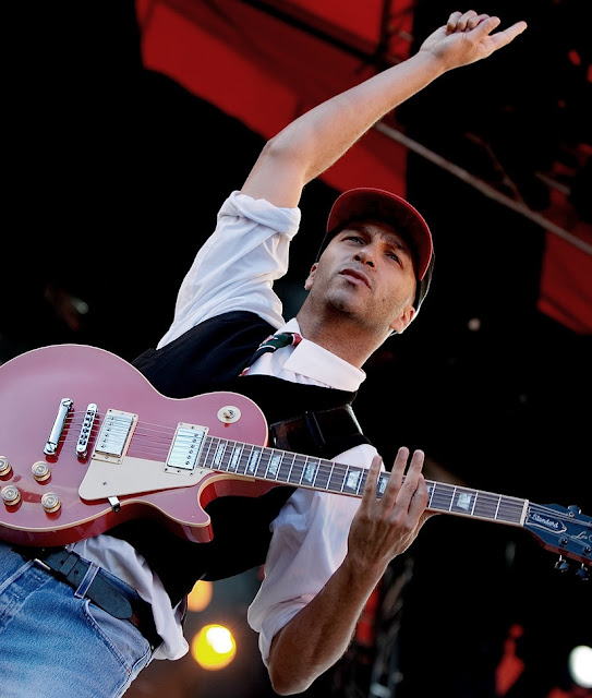 tom morello,audioslave,red guitar