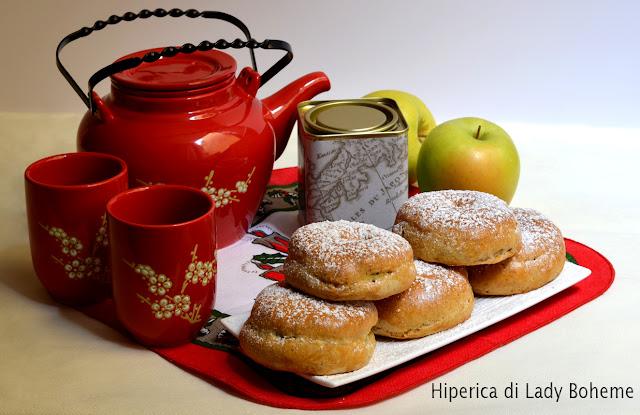 hiperica_lady_boheme_blog_di_cucina_ricette_gustose_facili_veloci_dolci_ciambelline_di_mele_al_forno
