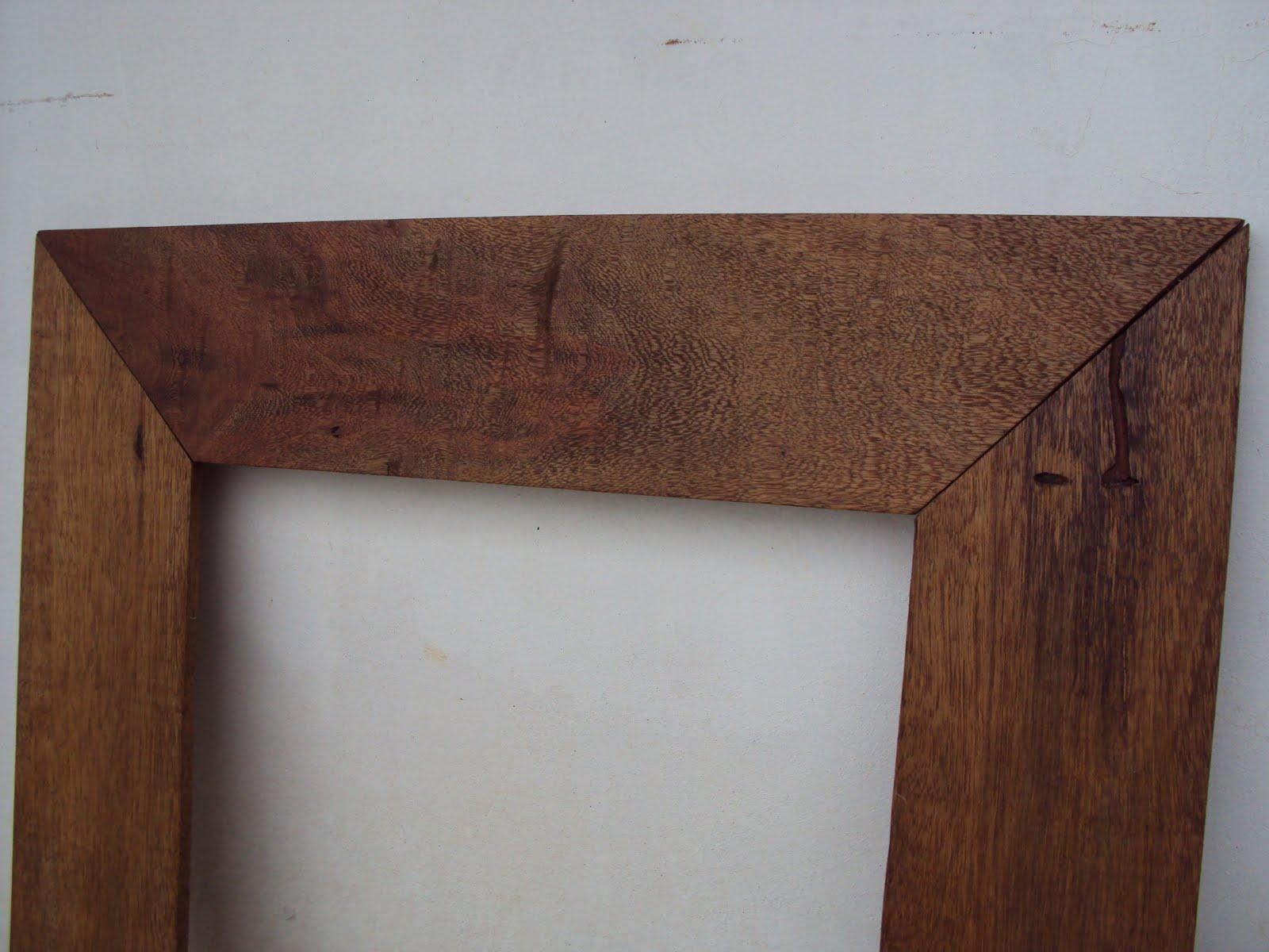 Artes do Dinho: Moldura em madeira de demolição #482A21 1600x1200 Balcao Banheiro Artesanal