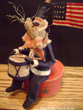 AMERICANA MOUSER~~The little drummer boy