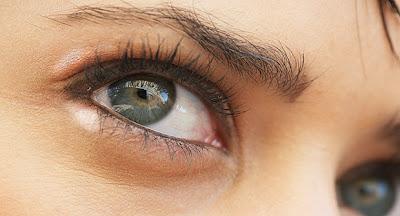 ¿Protuberancias Amarillas en el ojo?