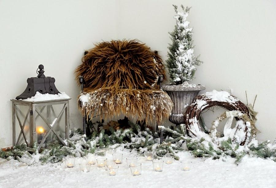 wystrój wnętrz, home decor, wnętrza, urządzanie mieszkania, scandi, nordic, styl skandynawski, święta, Boże Narodzenie, dekoracje świąteczne, ogród, dekoracja świąteczna przed domem
