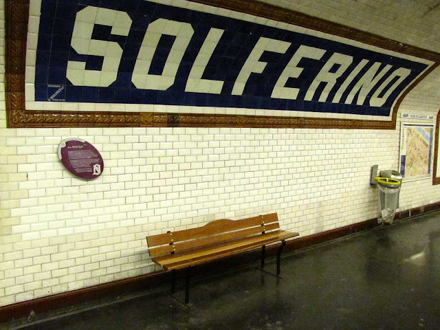 Bench, Solférino station, Paris Métro Line 12, Paris